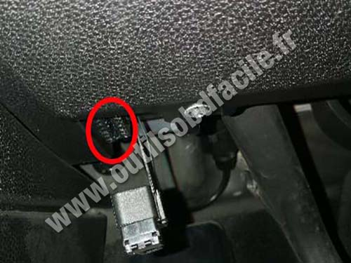 Mini Cooper - OBD port