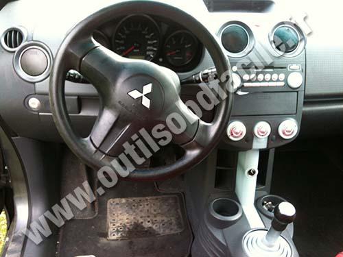 Mitsubishi Colt - Dashboard