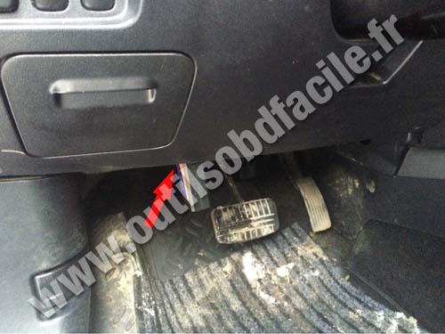 Mitsubishi Outlander Brake pedal