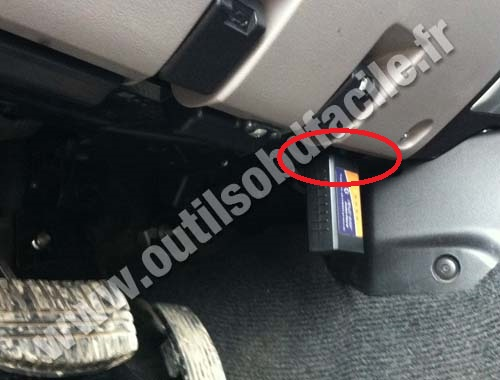 Obd2 Connector Location In Mitsubishi Pajero Sport 2008