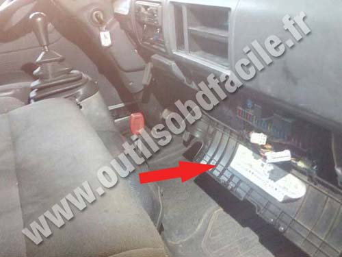 Obd2 Connector Location In Nissan Cabstar Outils Obd Facile