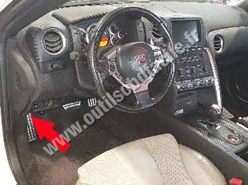 Nissan GT-R - Dashboard