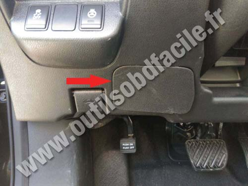 Obd2 Connector Location In Nissan Leaf 2010 2018 Outils Obd Facile