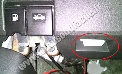 OBD2 connector location in Nissan Livina (2006 - 2013 ...