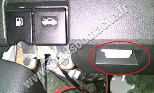 Nissan Livina OBD2 socket