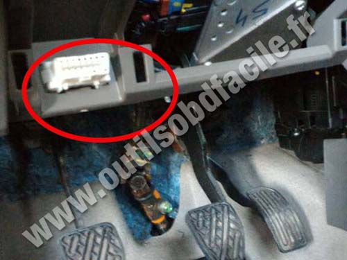 Nissan Micra Review >> OBD2 connector location in Nissan Micra (2010 - 2017) - Outils OBD Facile