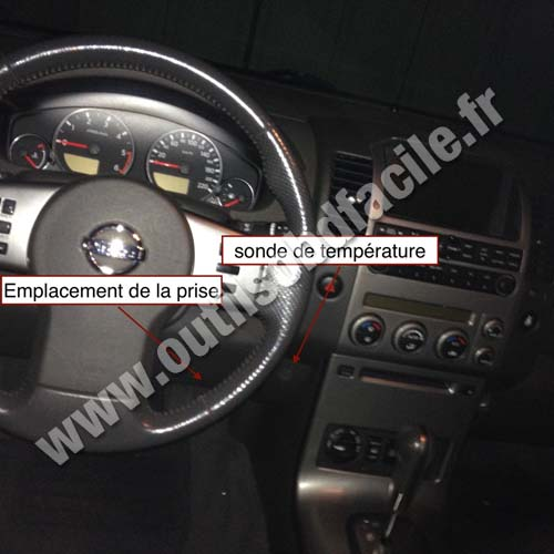 Nissan Pathfinder R51 dashboard