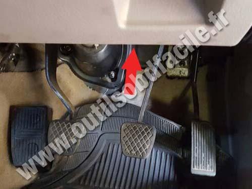Nissan Patrol (Y61) - Pedals