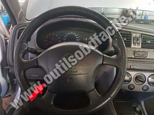 Nissan Primera P11 dashboard