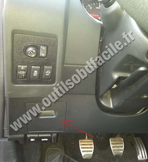 Qashqai Fuse Box Location : Obd connector location in nissan qashqai