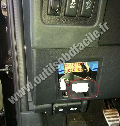 Nissan Qashqai OBD2 socket