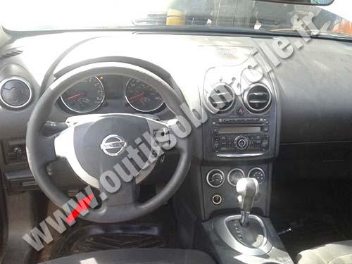 Nissan Rogue - Dashboard