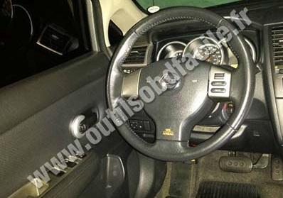 Nissan Tiida dashboard