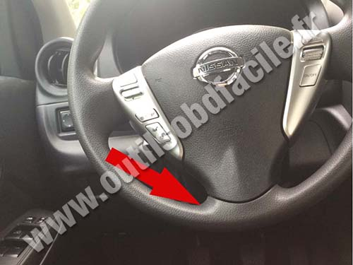 Nissan Versa Steering Wheel on 2003 Nissan 350z Models