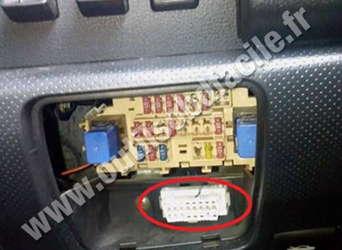 Nissan Versa 2012 Fuse Box Location 2011 Dodge Grand