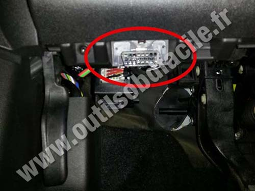 Obd2 Connector Location In Opel Adam 2012 Outils
