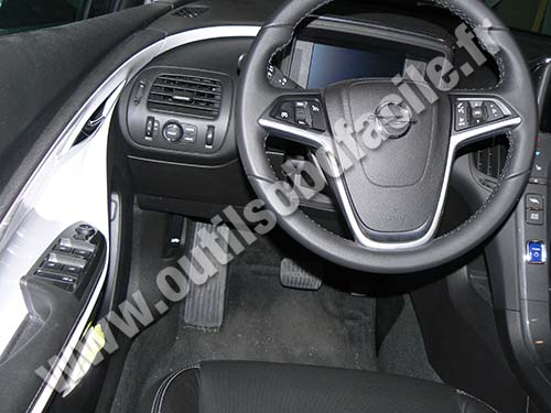 Opel Ampera Dashboard