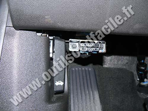 Opel Ampera OBD plug