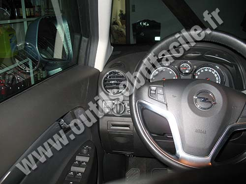 obd2 connector location in opel antara (2006 - 2014) - outils obd facile