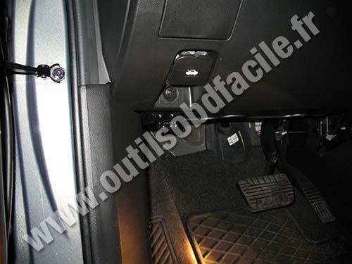 Opel Antara Hood opening pull lever