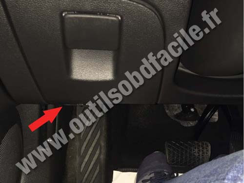 Obd2 Connector Location In Opel Astra K 2015 Outils