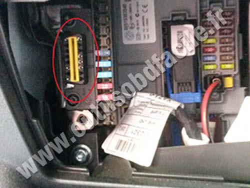 obd2 connector location in opel combo c  2011 -