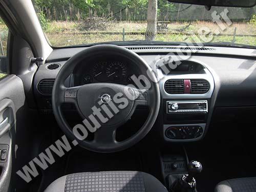 Opel Corsa C dashboard