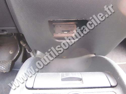 Opel Corsa C ashtray/central console