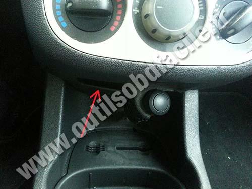 Opel Corsa D central console