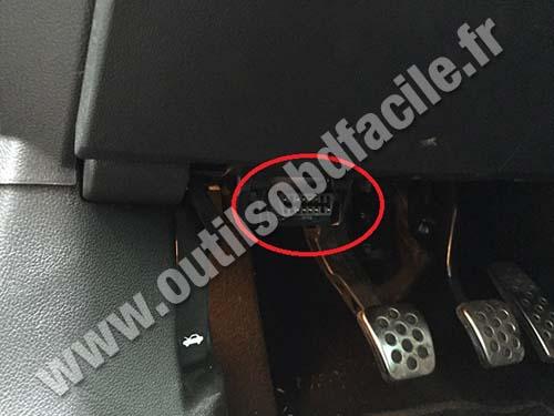 Opel Insigna OBD2 socket