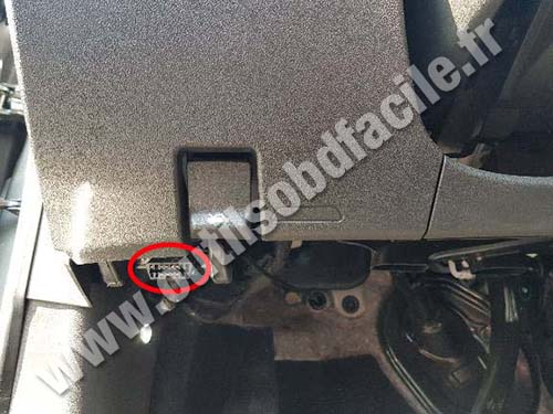 Opel Insignia - OBD port