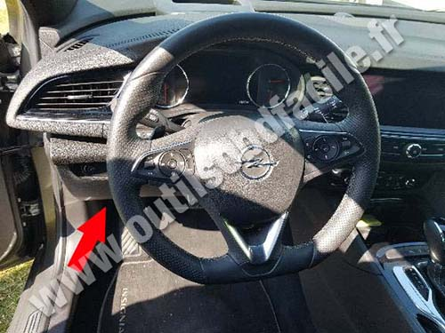 Opel Insignia - Steering wheel