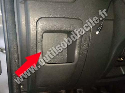 Opel Movanno - Storage compartment
