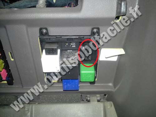 obd2 connector location in opel omega 1999 2003 outils obd facile