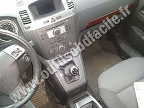 Opel Zafira B Central console