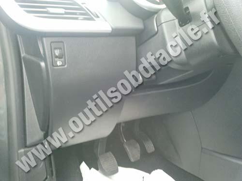 Peugeot 207 steering wheel