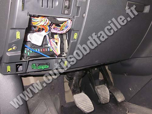 OBD2 connector location in Peugeot 3008 (2009 - 2016 ...