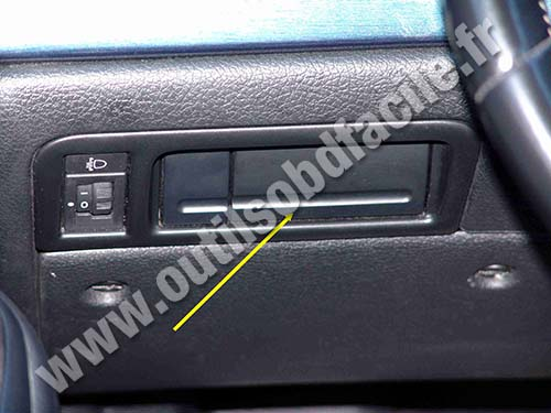 OBD2 connector location in Peugeot 406 (1999 - 2004 ...
