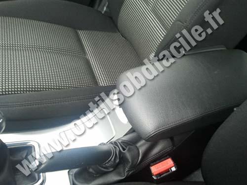 Peugeot 407 Armrest