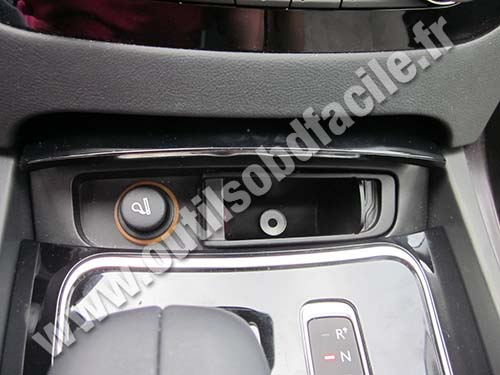 Obd2 Connector Location In Peugeot 508 2011 2018