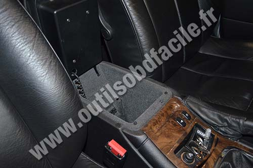 Peugeot 607 stowage pockets