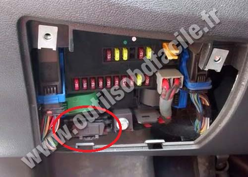 Peugeot 207 obd location cadillac