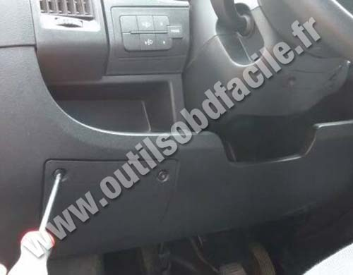 obd2 connector location in peugeot boxer  2006