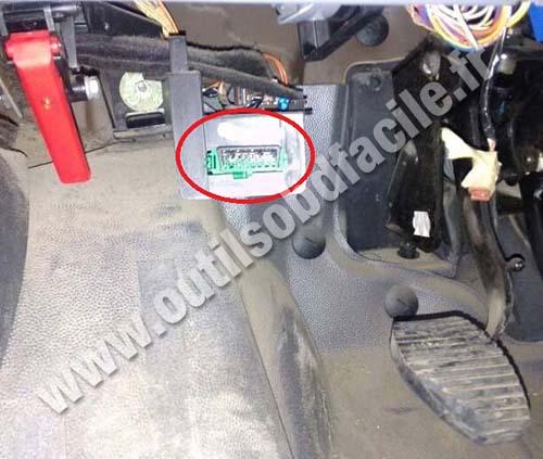 Peugeot Expert OBD2 port