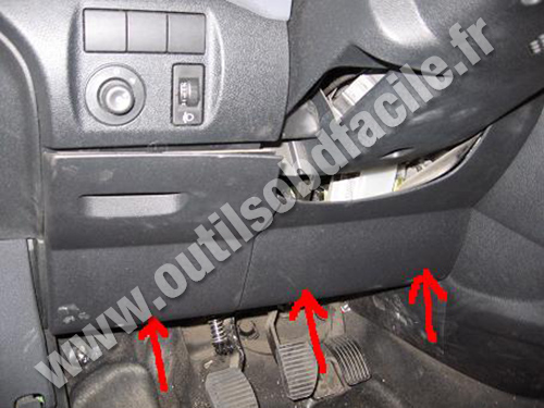 OBD2 connector location in Peugeot Partner (1996 - 2002 ...