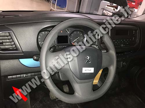 Peugeot Traveller - Steering wheel