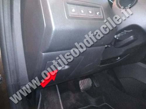 Renault Arkana - Fuses box