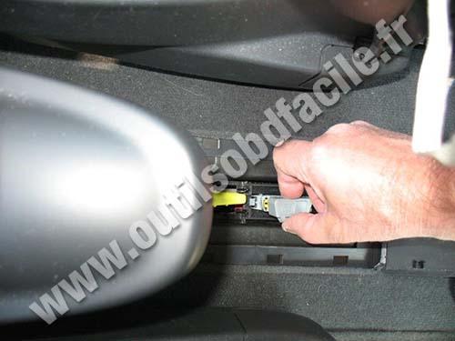 Renault Espace IV OBD2 plug cover