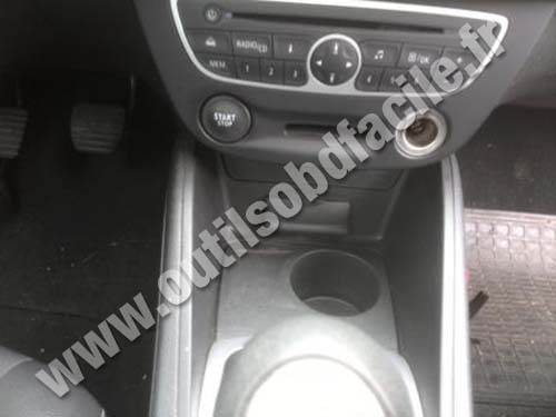 Renault Fluence central consol