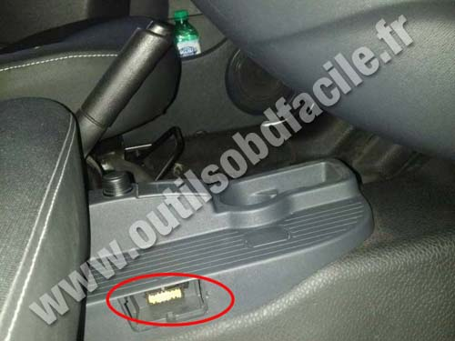 obd2 connector location in renault kangoo ii russia outils obd facile. Black Bedroom Furniture Sets. Home Design Ideas